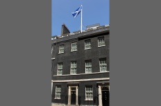 scottish-saltire-flag-flying-at-downing-street-137297900188302601-130708131947