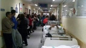 Pasillos-colapsados-hospital_ECDIMA20170110_0012_21